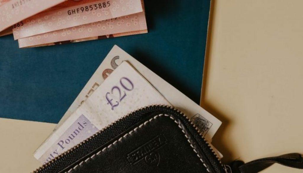 Cash wallet table